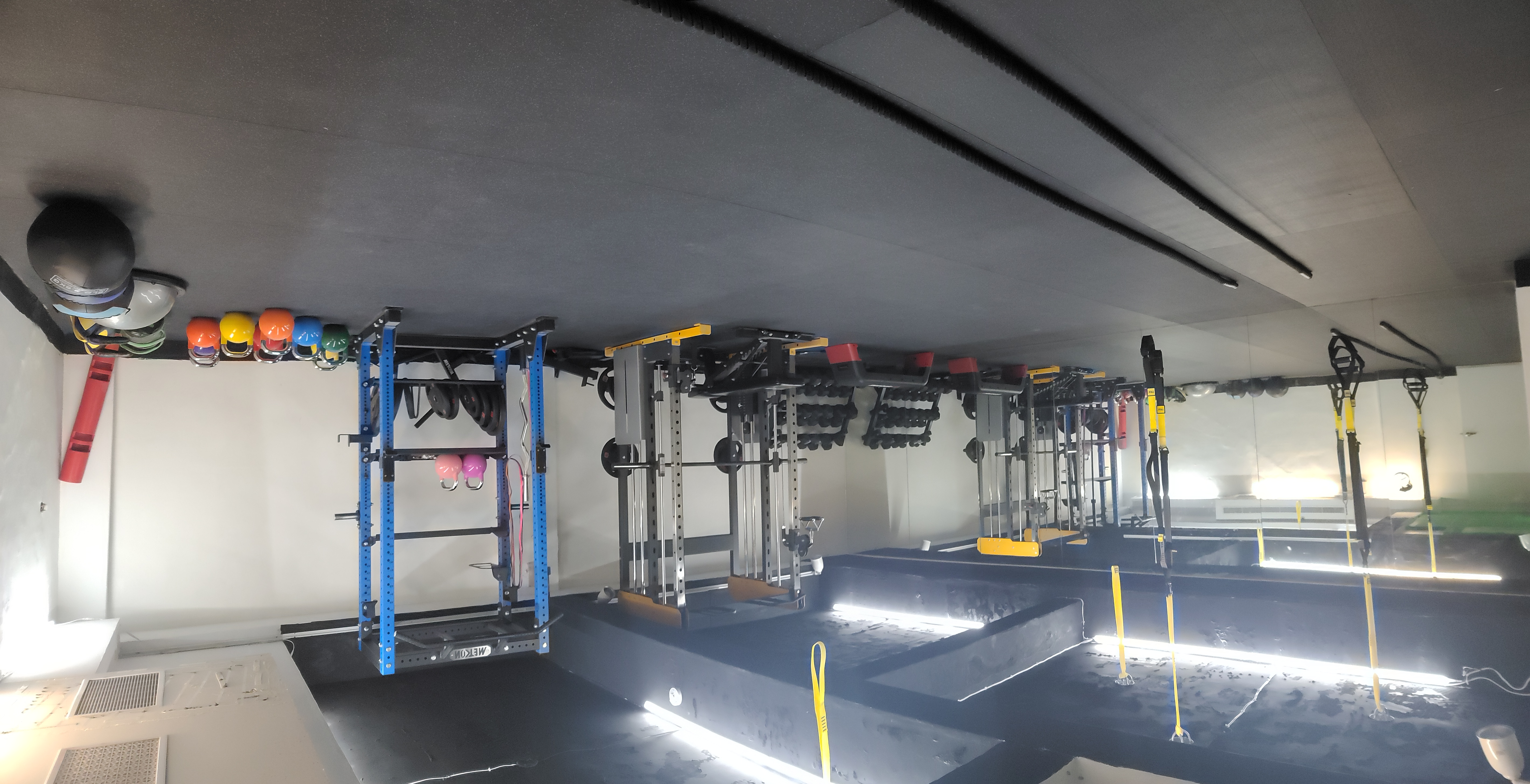 教室也有專屬TRX和重訓空間。胡成威提供