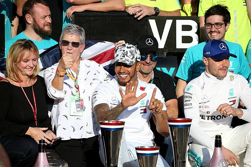 呼籲種族議題的車神!F1 冠軍車手 Lewis Hamilton!