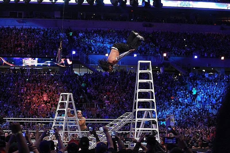 空中的摔角手!Jeff Hardy 的傳奇生涯!