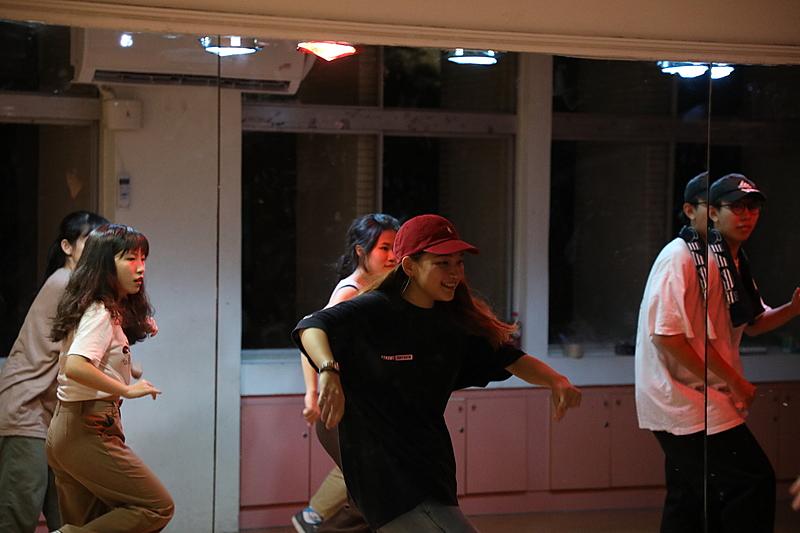 跳舞是一種分享靈魂的過程 – 李若珣