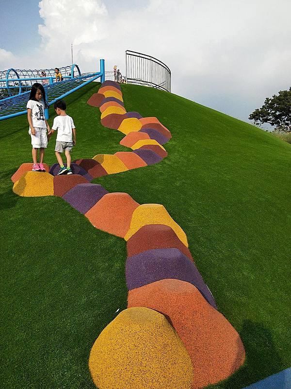親子共遊沒問題!全台五處滑草場找回童年的快樂!