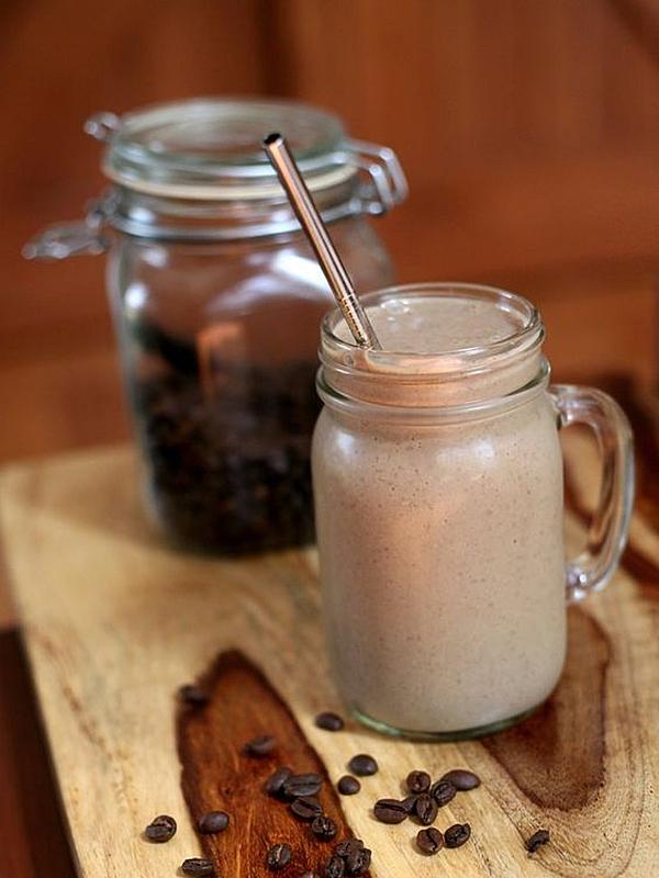 用健康奶昔迎接新的一天!好喝又有飽足感的配方大公開