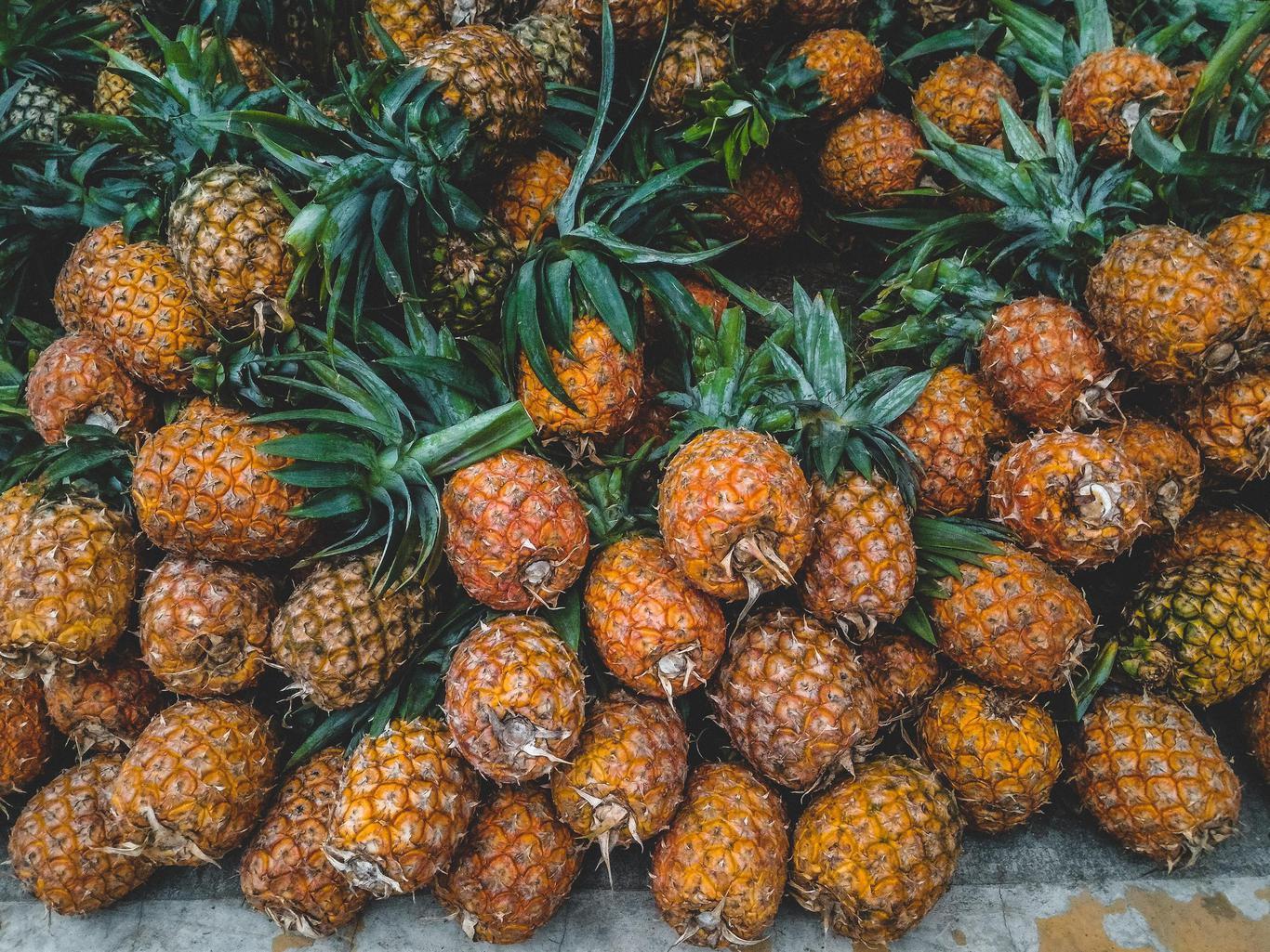 近期「鳳梨過剩」掀起一波風潮,吃鳳梨究竟有什麼營養價值?