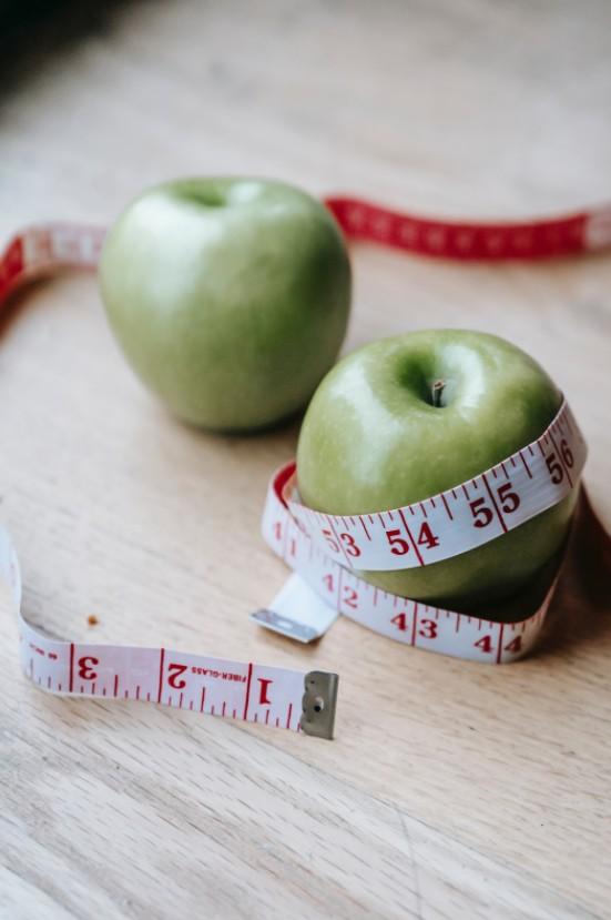 跟著營養師一起拋棄減重迷思-比熱量赤字更重要的事!